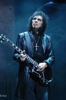 140407-Tony-Iommi_2009-06-11_Chicago_photoby_Adam-Bielawski