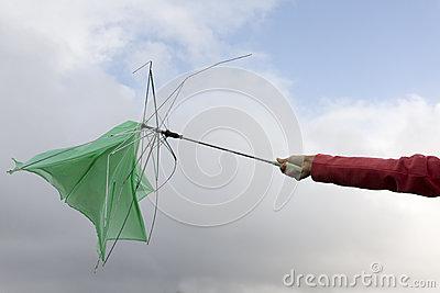 09122014: State attenti agli ombrelli usa e getta