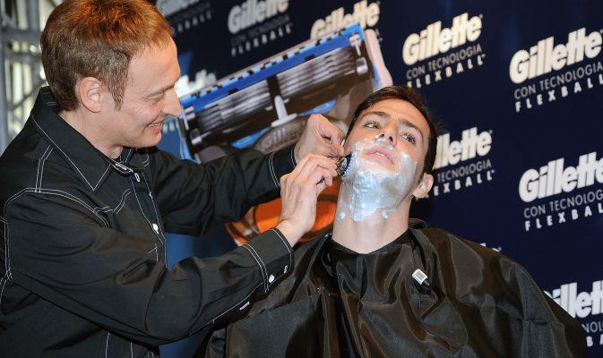 12052015: Fare soldi con la barba: Destro e la gillette